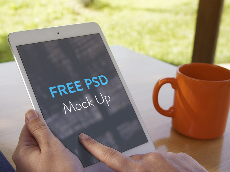 23 Free iPad mini Mockup